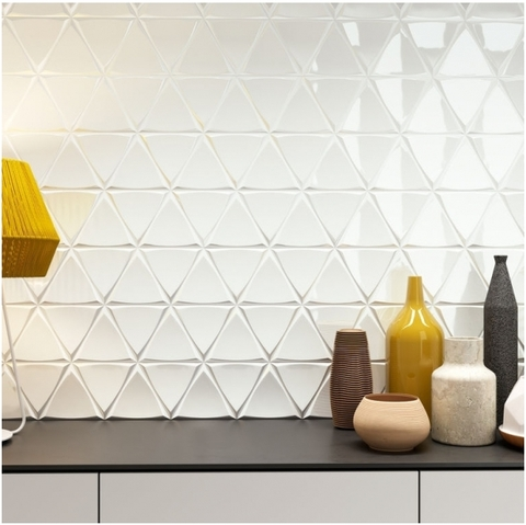 Plytelės ZYX Triangle Channel White Glossy 15x17